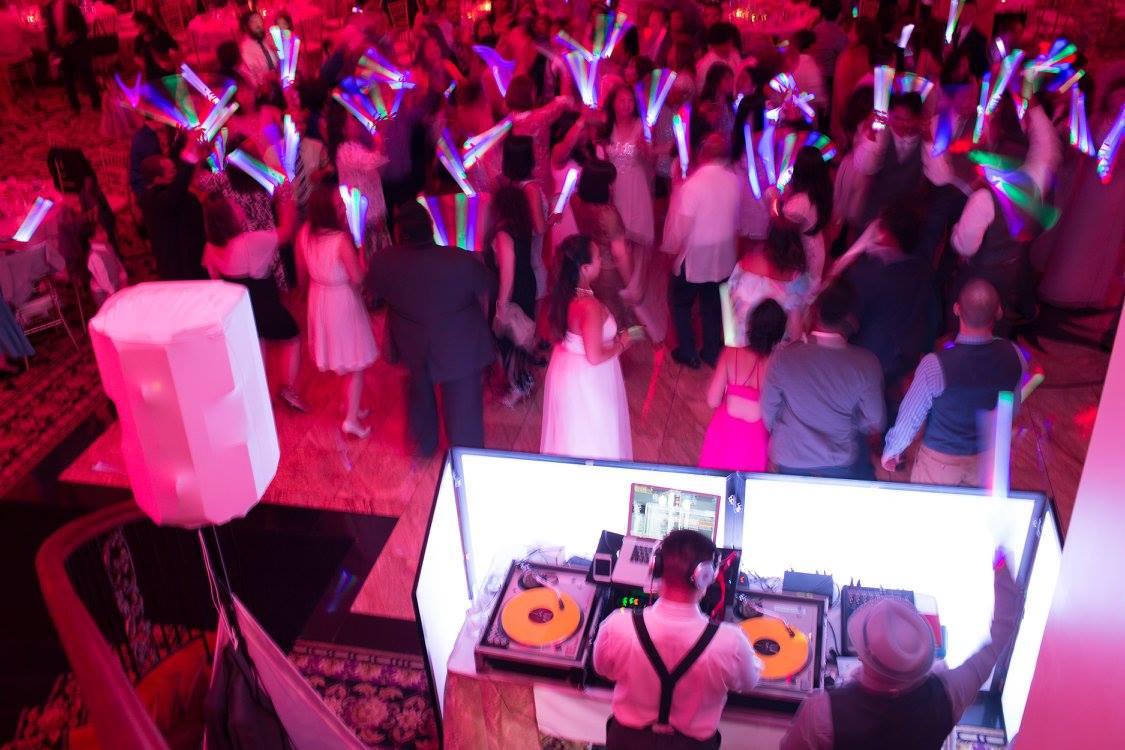 dj-gif-booth-wedding-leizl-arland
